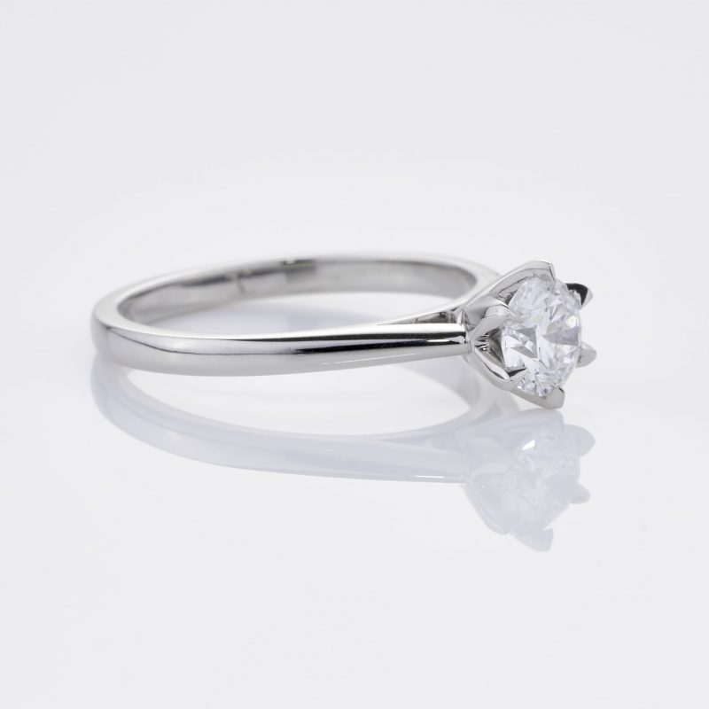 Crystalined Solitaire 32
