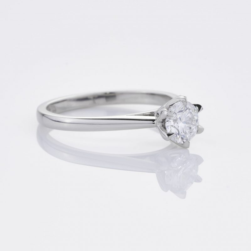 Crystalined Solitaire 33