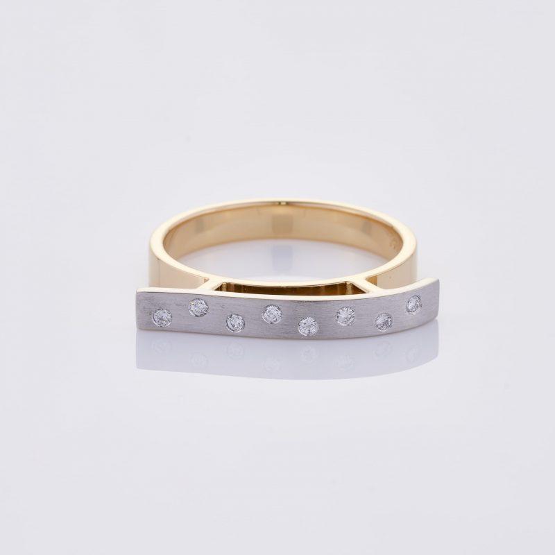 Vague Ring 001