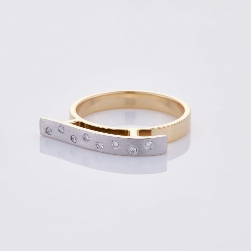 Vague Ring 004
