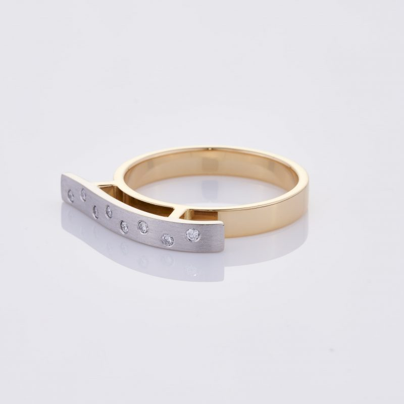 Vague Ring 006