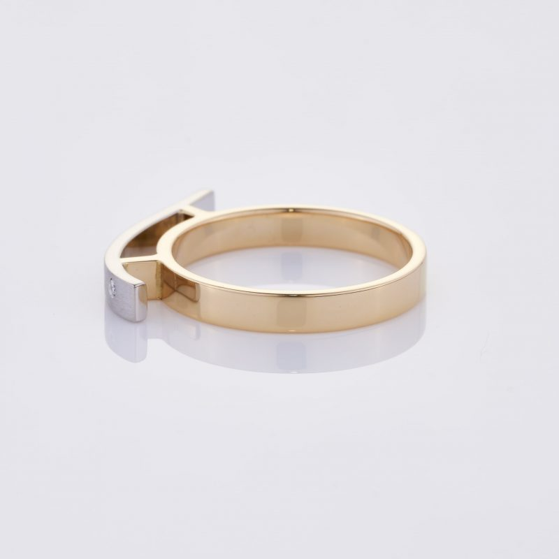 Vague Ring 012