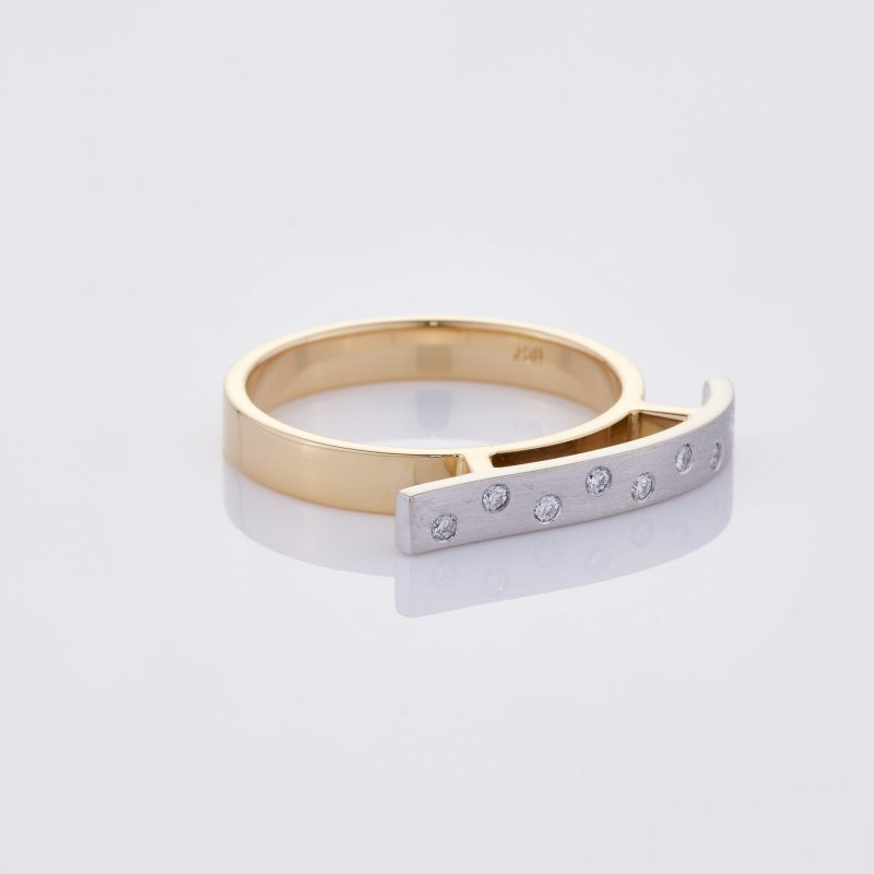 Vague Ring 033