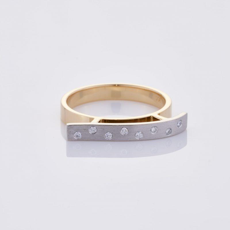 Vague Ring 036