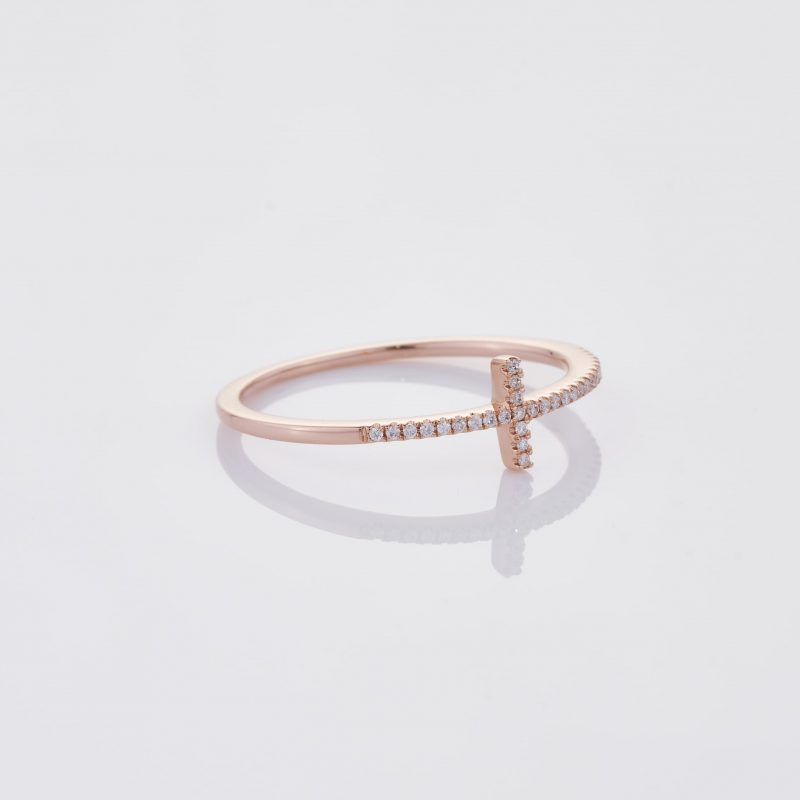 Delicate Cross Ring 032