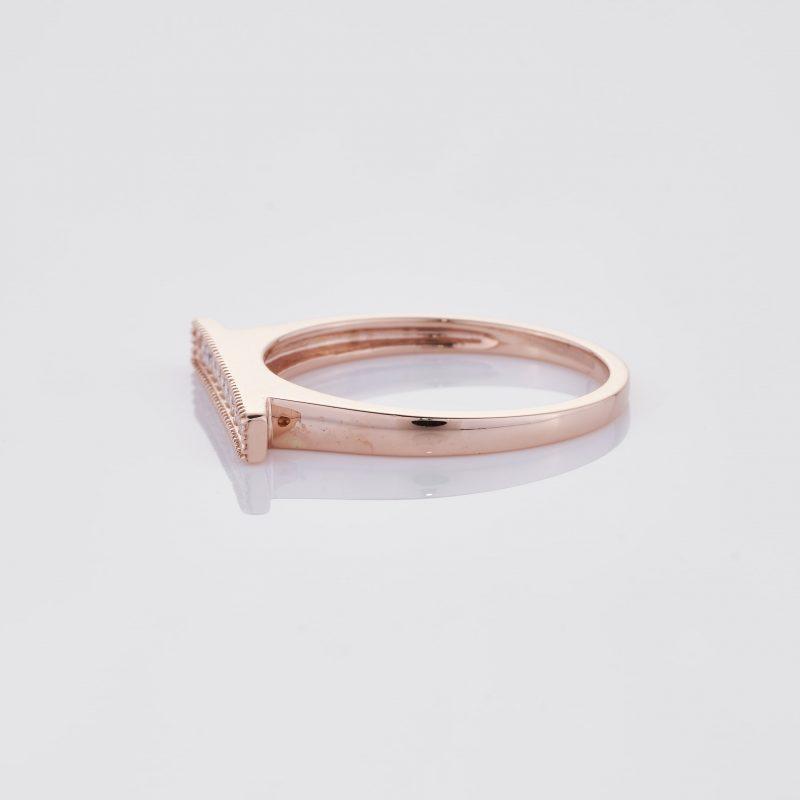 Line of fine Diamonds Ring 009