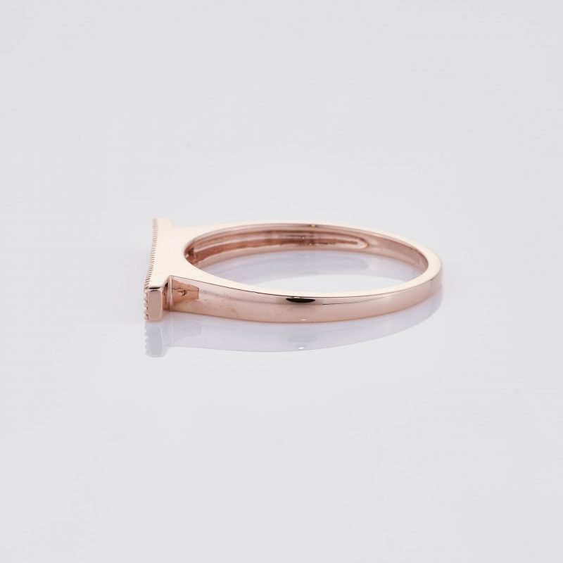 Line of fine Diamonds Ring 010