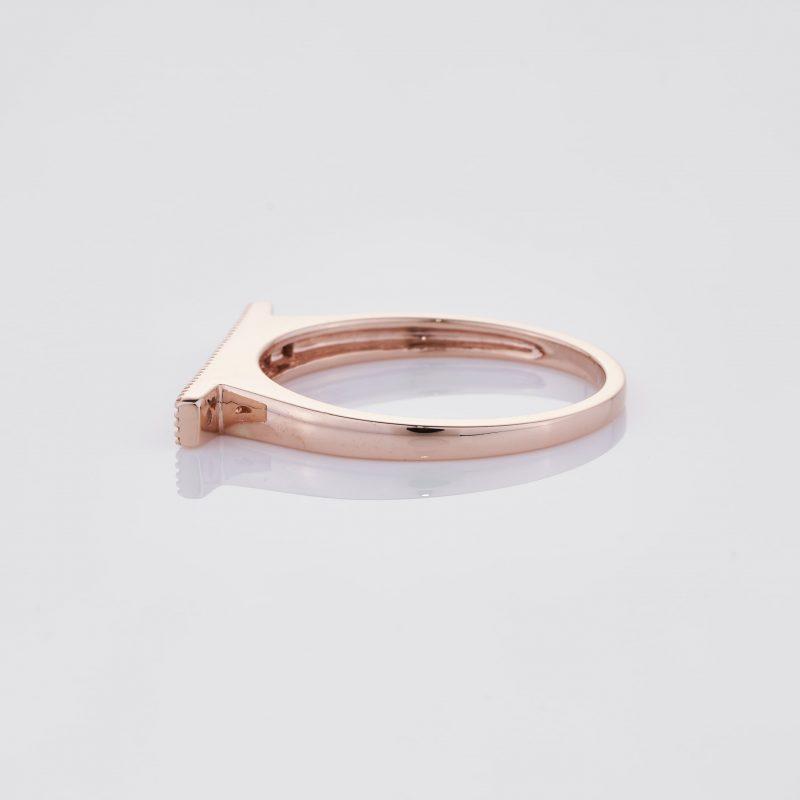 Line of fine Diamonds Ring 011