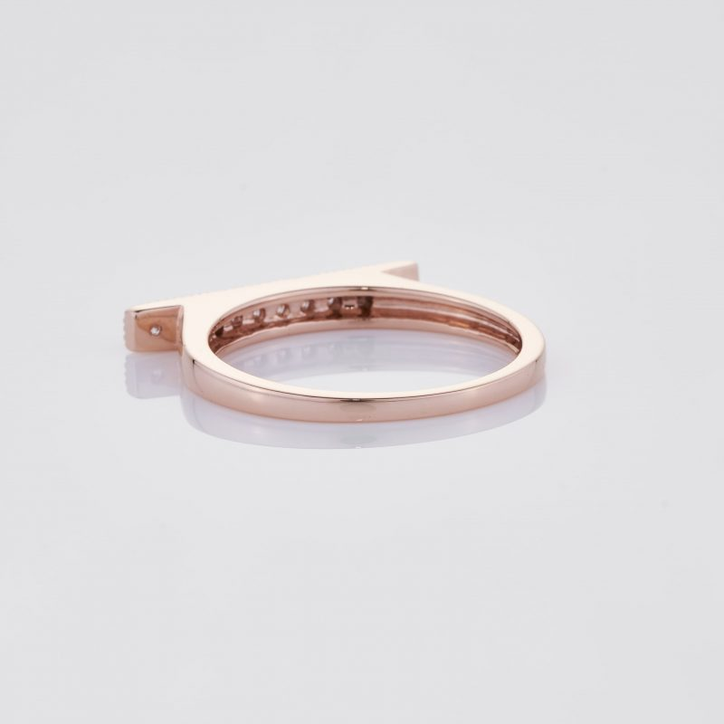 Line of fine Diamonds Ring 016