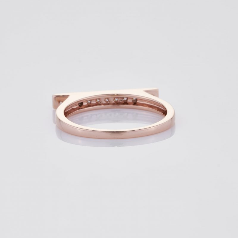 Line of fine Diamonds Ring 018