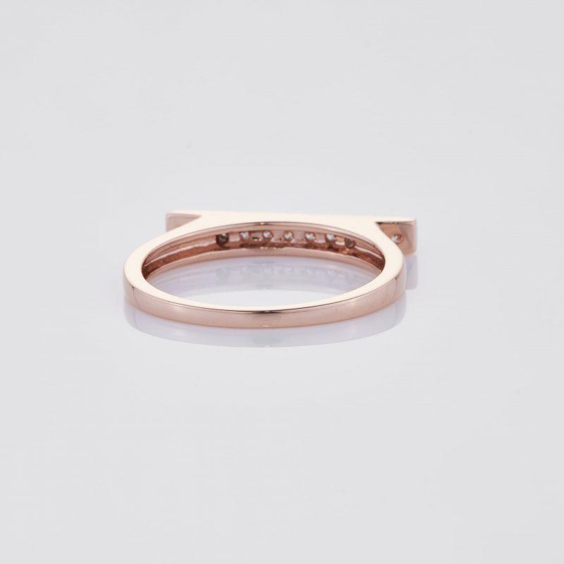 Line of fine Diamonds Ring 020