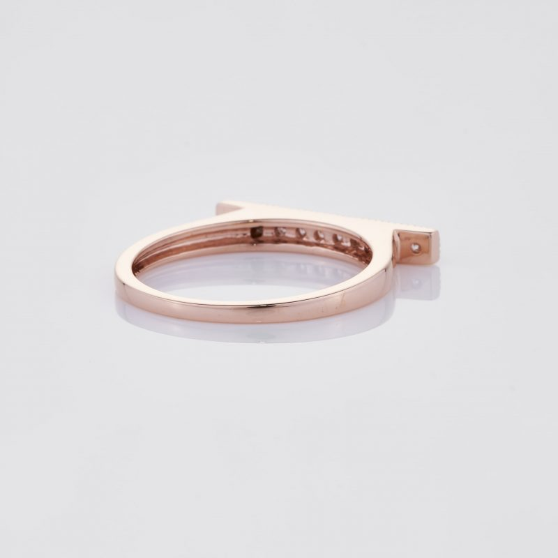 Line of fine Diamonds Ring 022
