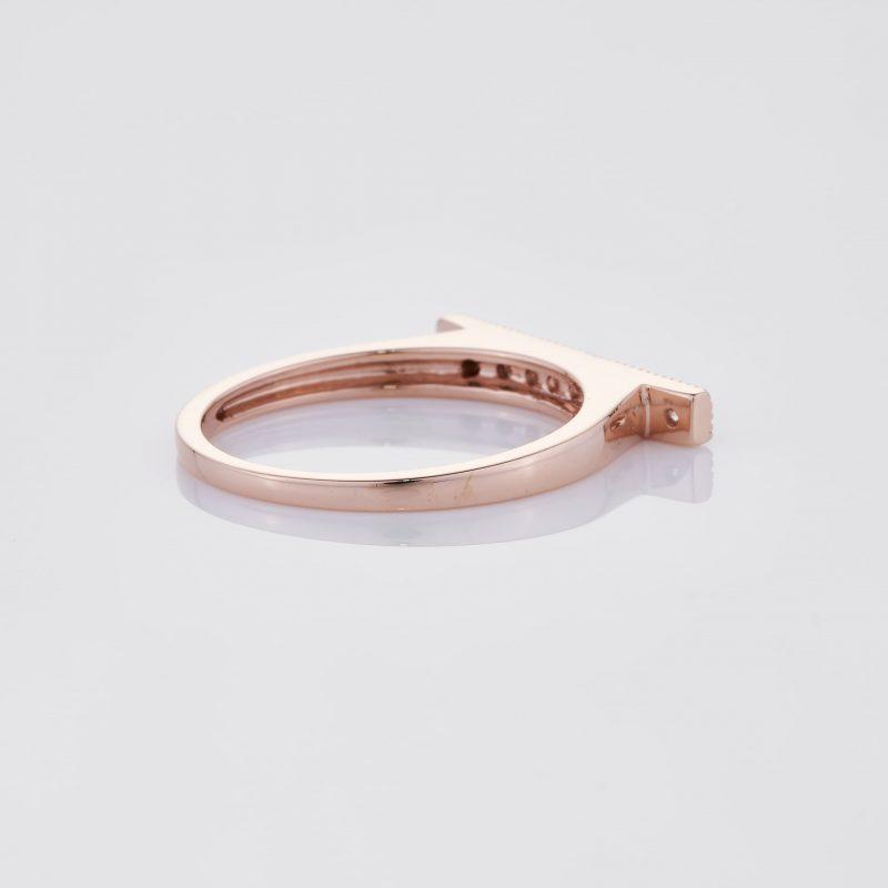 Line of fine Diamonds Ring 024
