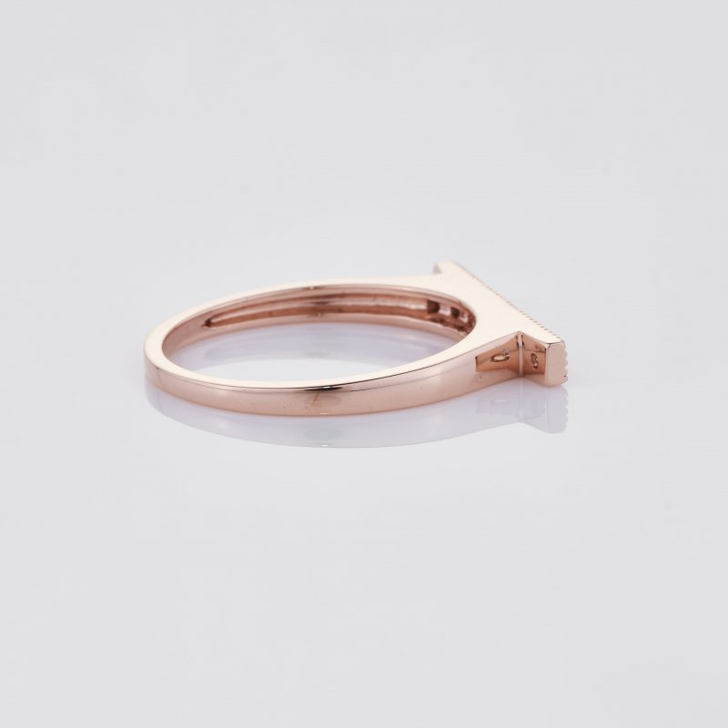 Line of fine Diamonds Ring 026