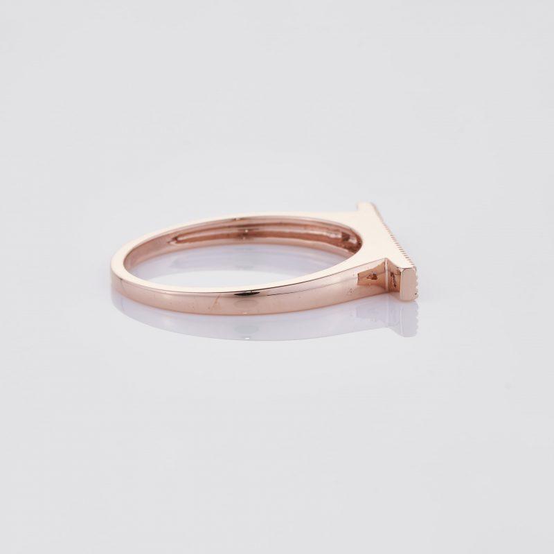 Line of fine Diamonds Ring 027