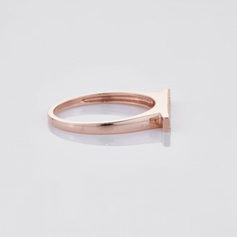 Line of fine Diamonds Ring 028