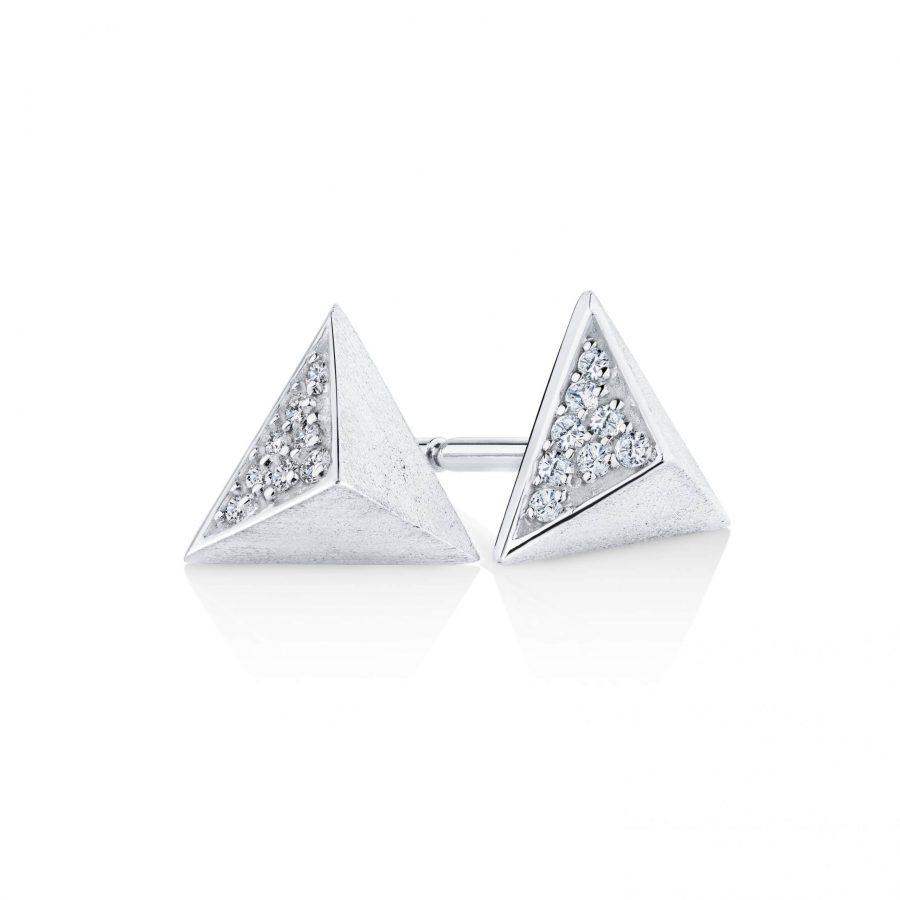 9 carat white gold triangular diamond set 001